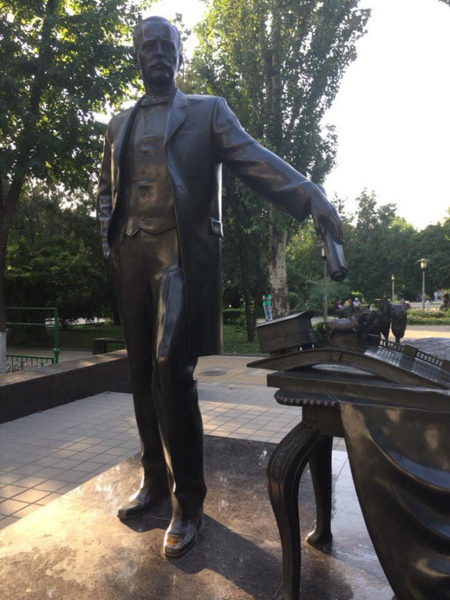 памятник А. Байкову