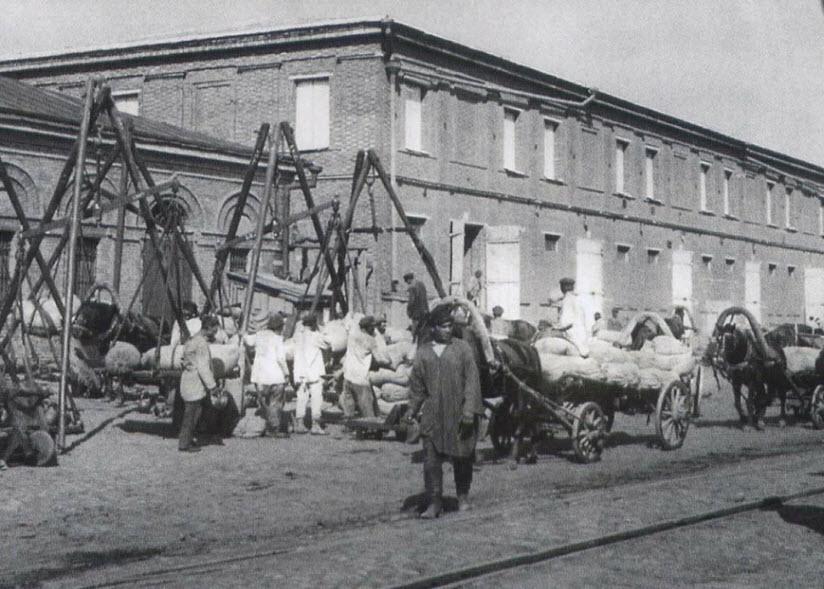 Парамоновские склады в 19 веке