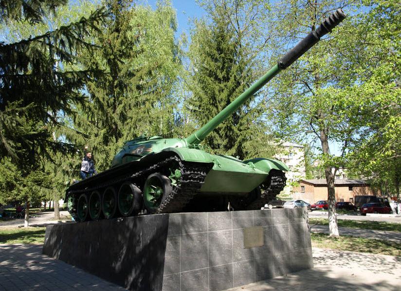 Памятник Танк Т-54М