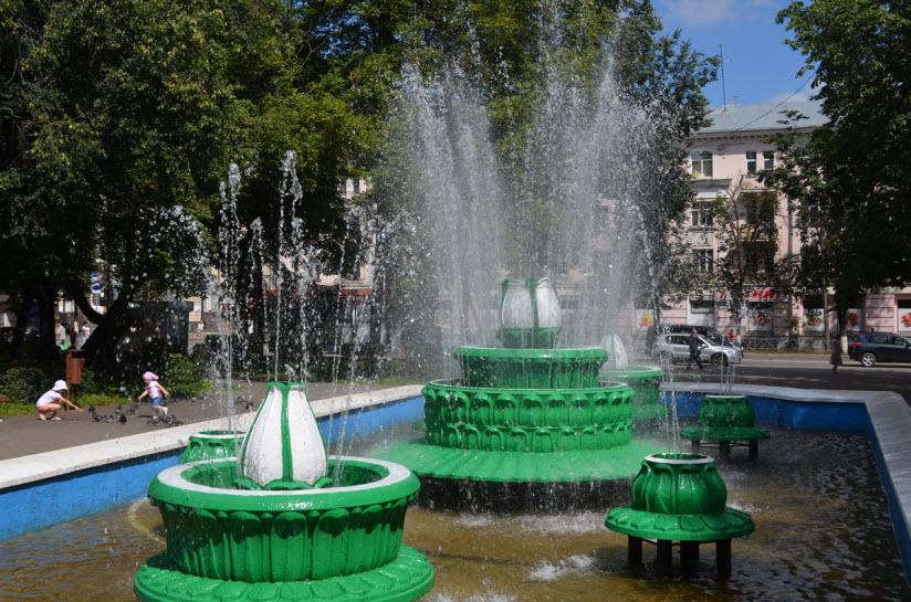 Цветной фонтан «Каменный цветок»