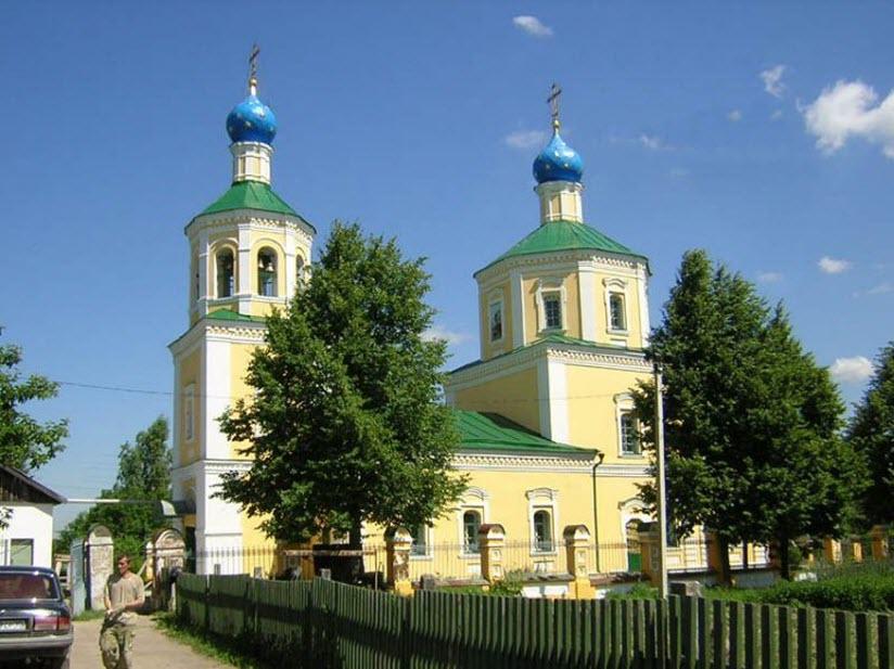 Успенский храм в Новоселках
