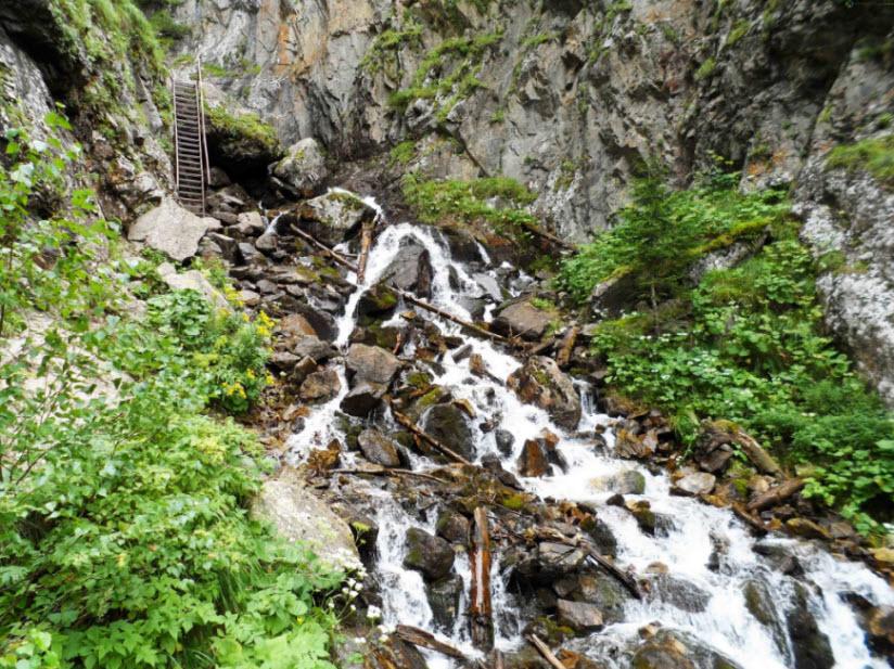 Водопад реки Шумка
