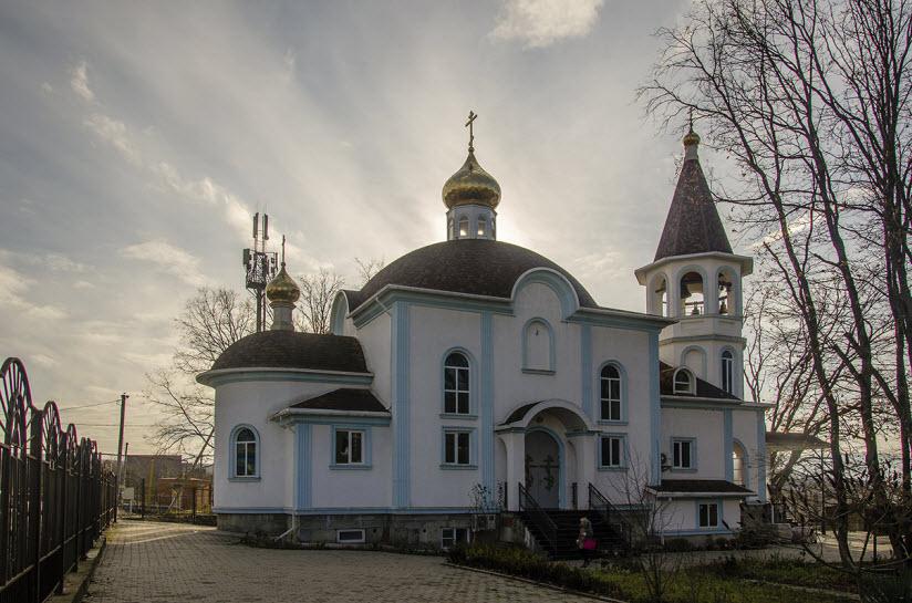 Храм «Феодоровской» иконы Богоматери