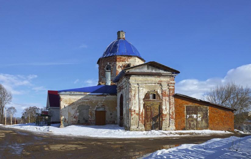 Церковь Великомучеников Флора и Лавра