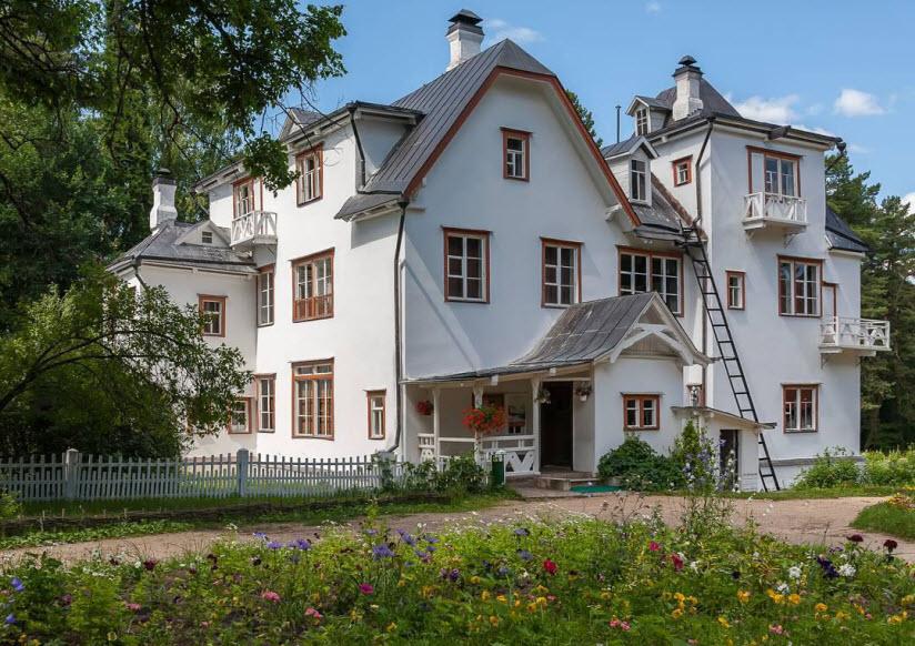 Музей-усадьба В.Д. Поленова в Страхово