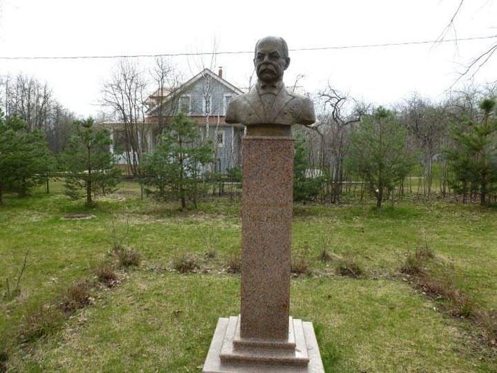 Памятник Ивану Цветаеву