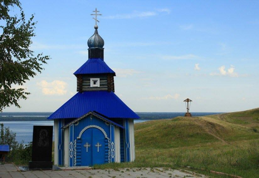 Святой источник и часовня Феодоровской иконы Божией Матери