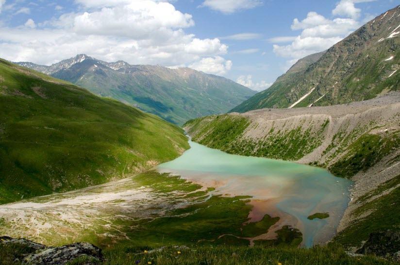 Озеро Донгуз Орун-Кель