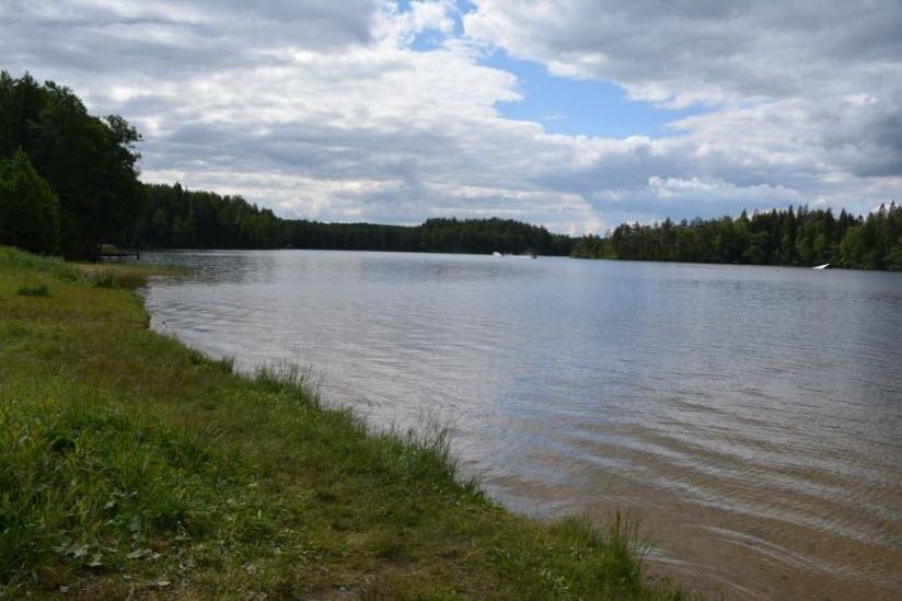 Озеро Люхово