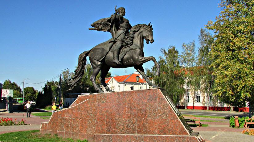 Памятник князю Всеславу Чародею