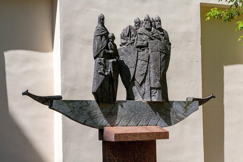 Памятник Кривичам
