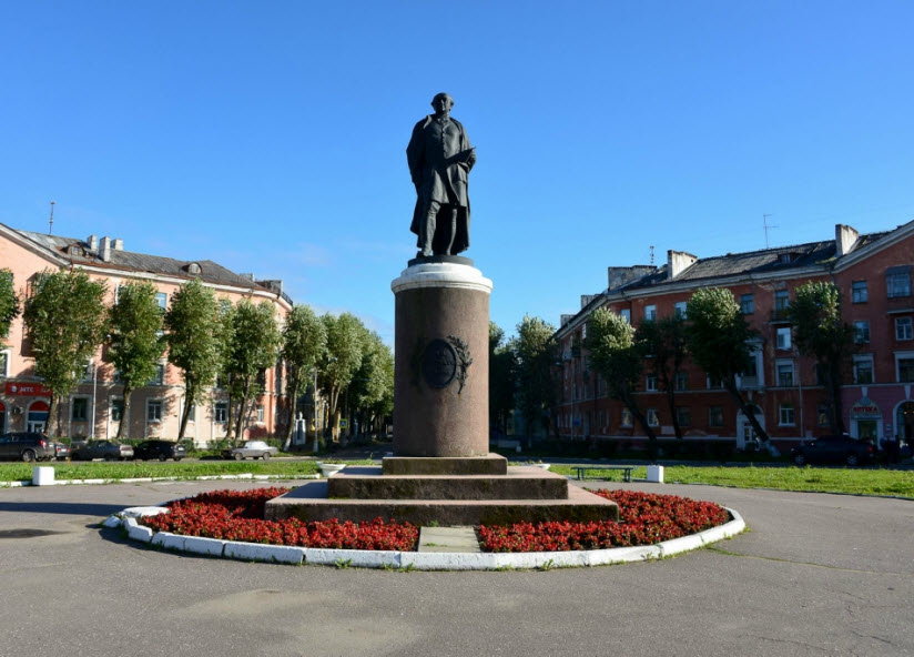 Памятник М.В. Ломоносову