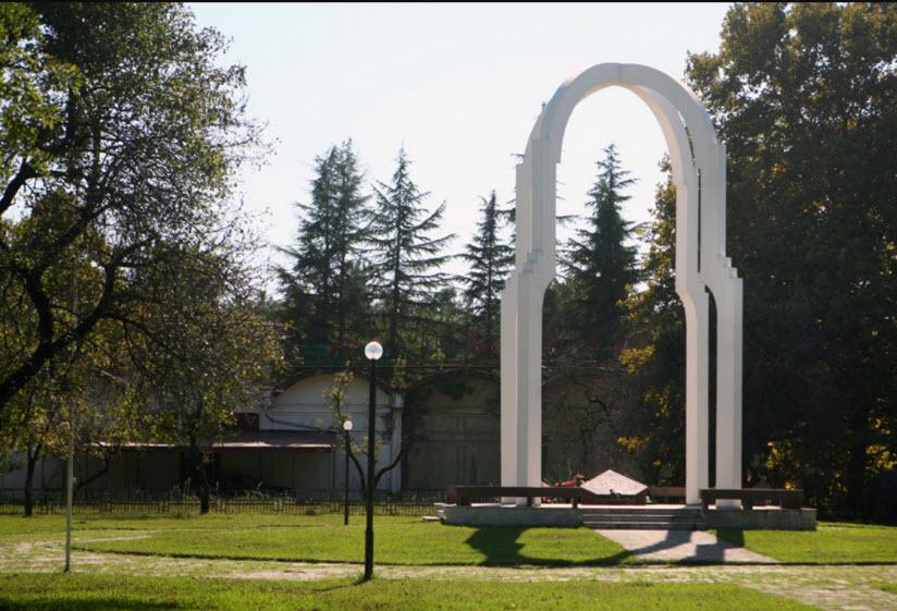 Памятник погибшим в войнах