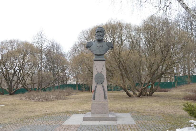 Памятник С.И. Мосину
