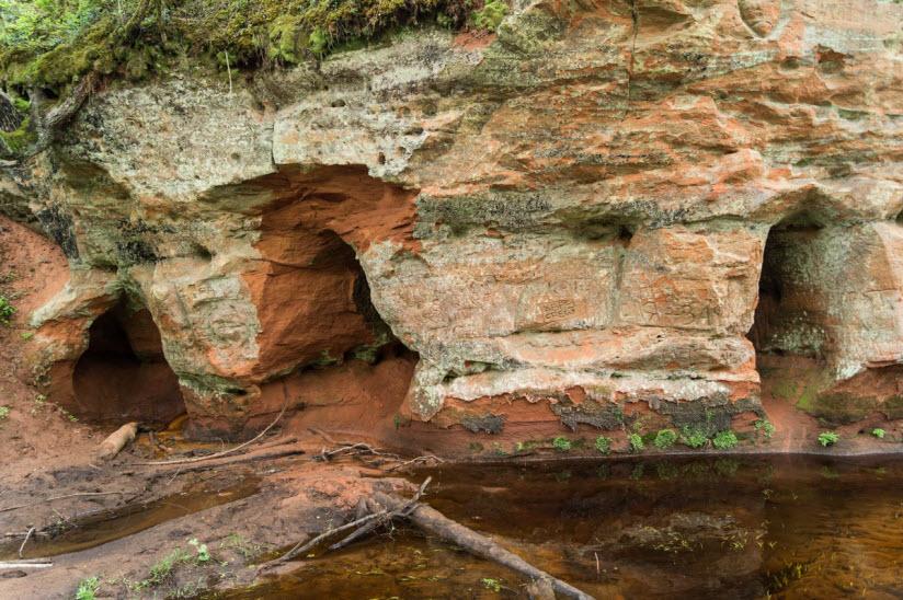 Пещеры в Рождествено