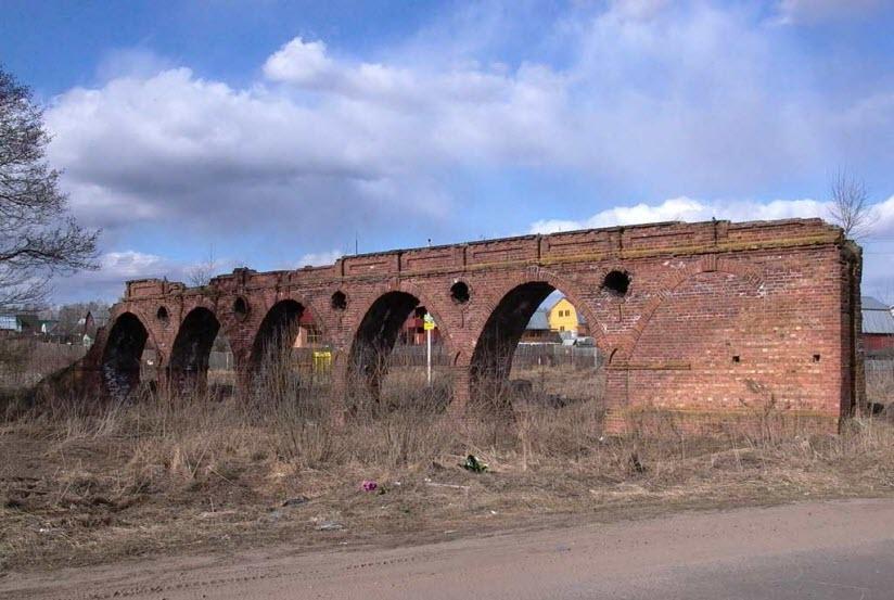Руины Зенинского акведука