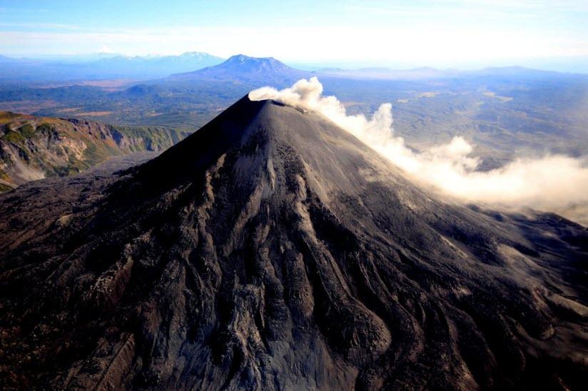 Вулкан Карымский