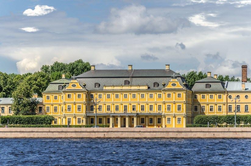 Дворец князя А.Д. Меншикова