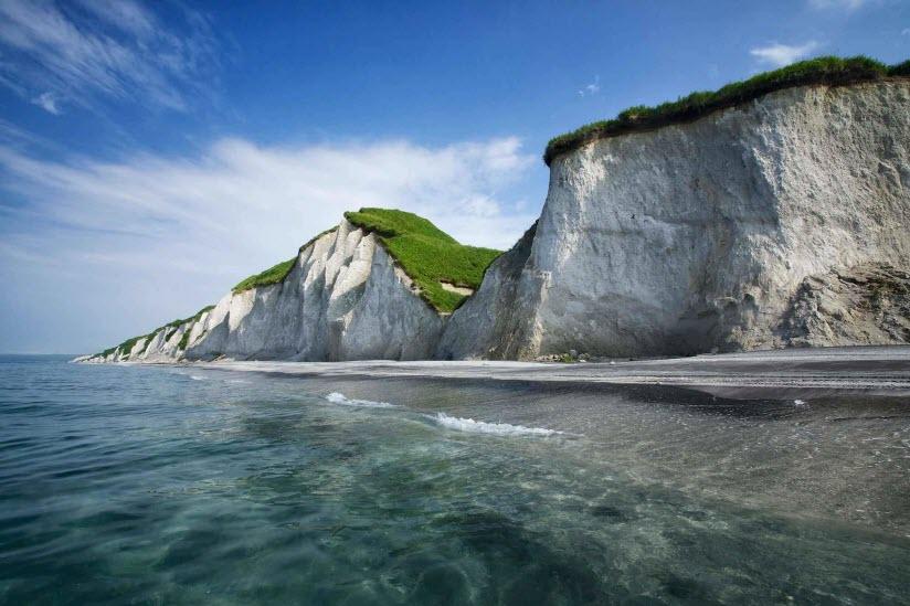 Итурупские скалы