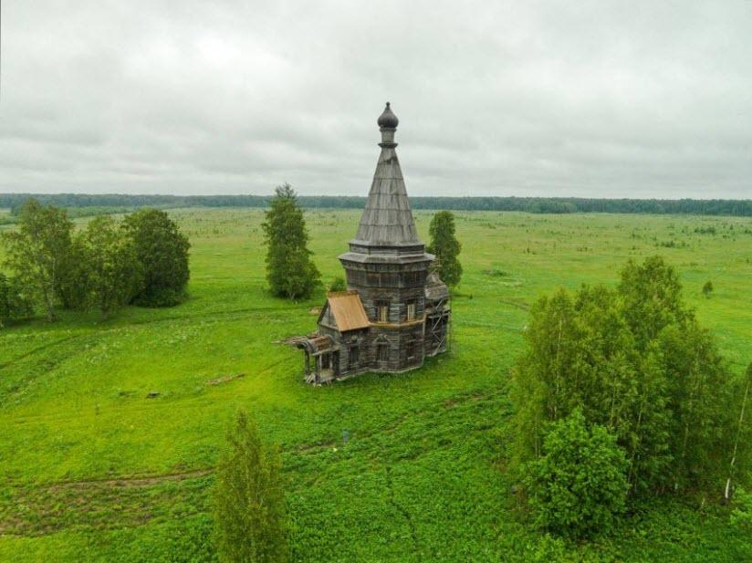 Сретенская церковь в деревне Красная Ляга