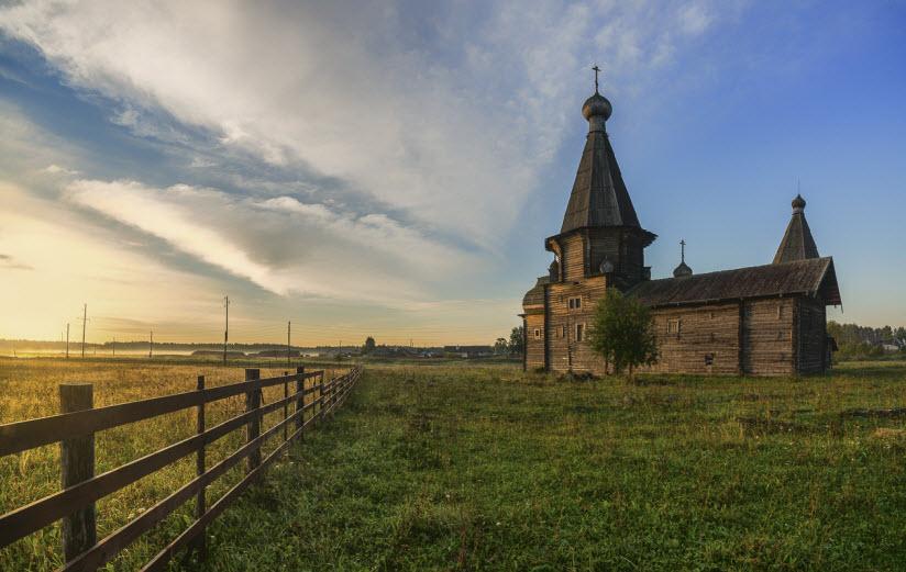Церковь Иоанна Златоуста в Саунино