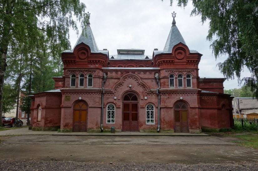 Здание народного театра