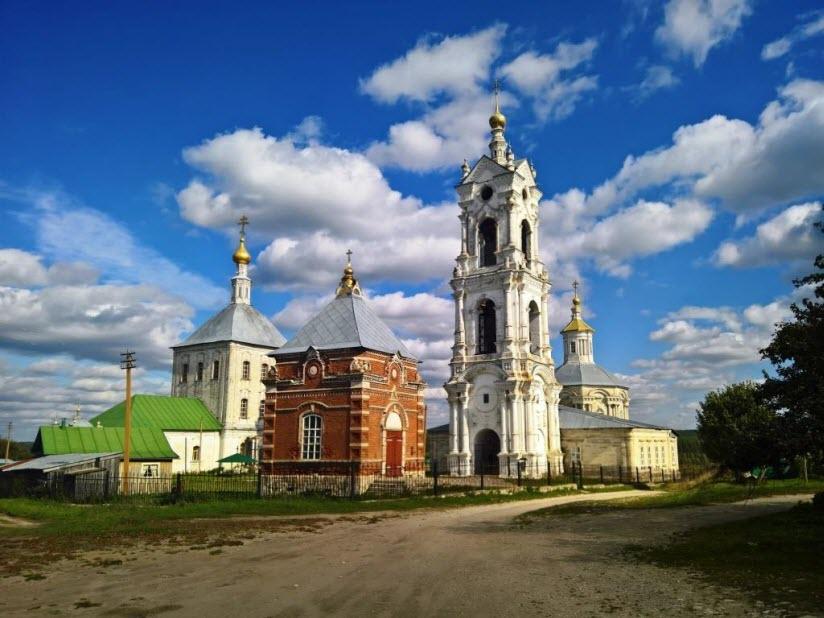 Храмовый комплекс села Погост