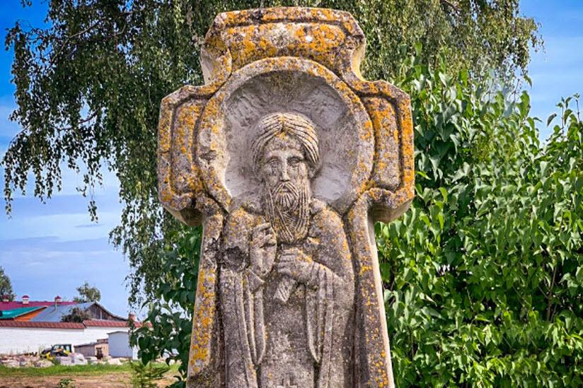 Памятник преподобному Сергию
