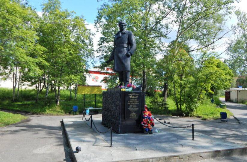 Памятник А.В. Спекову