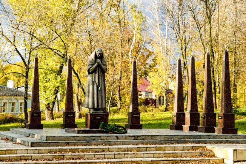 Памятник Марии Фроловой