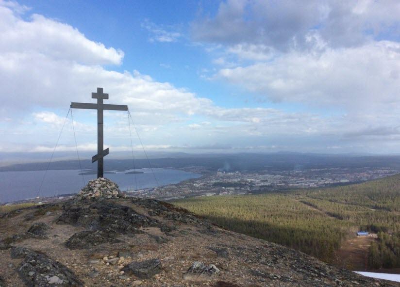 Поклонный крест на горе Крестовой