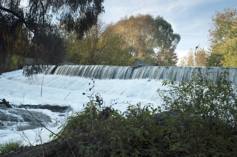 Водопад на реке Листвянке
