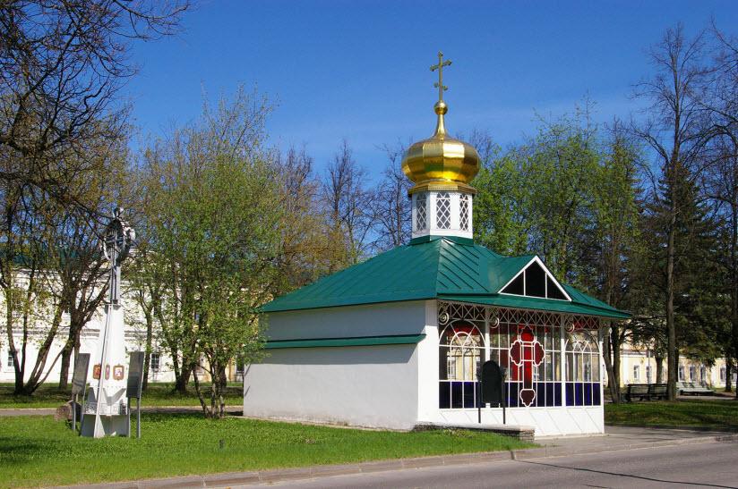 Часовня на месте захоронения мощей Серафима Саровского