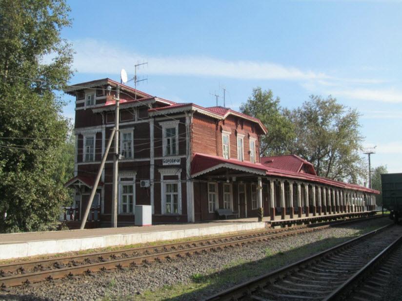 Деревянный железнодорожный вокзал