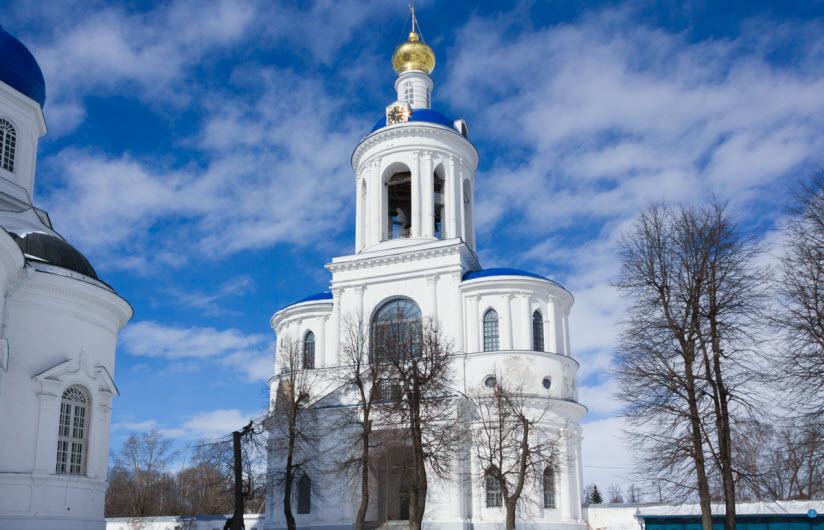 Колокольня Свято-Боголюбского монастыря