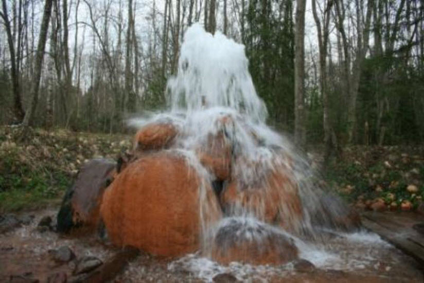 Меглецкий природный фонтан