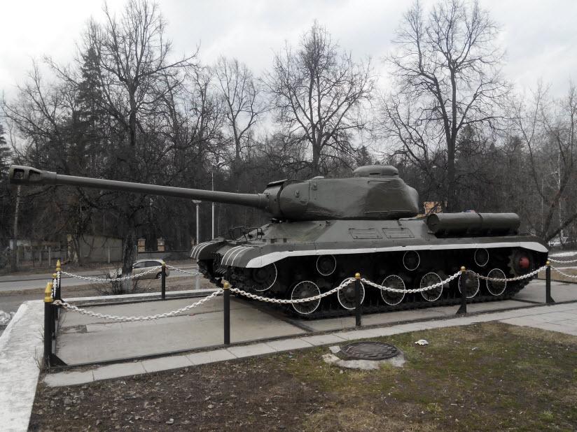 Памятник Танк ИС-2