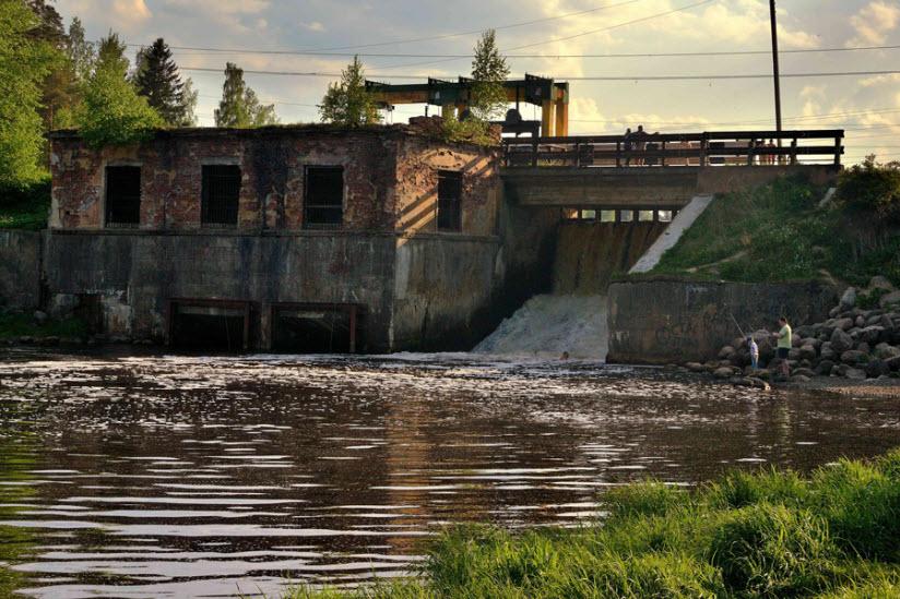Плотина бывшей ГЭС