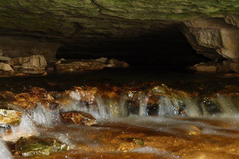 Подземная река Понеретка