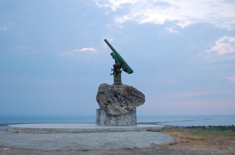 Памятник Советским десантникам