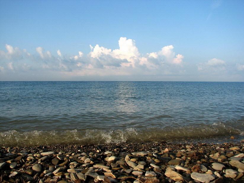 Пляж у горы Ёжик