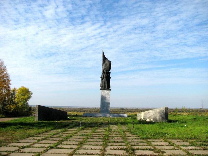 Памятник героям Северо-Двинской речной флотилии