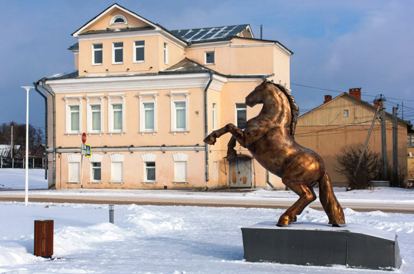 Памятник Владимирскому тяжеловозу