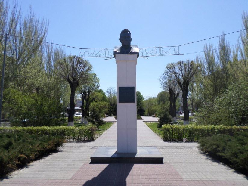 Памятник Ф.Г. Логинову