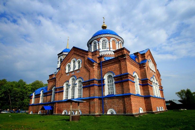 Успенский храм в с. Стружаны