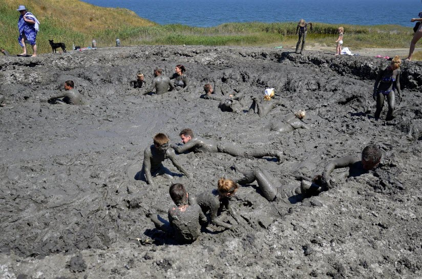 Грязевой вулкан Азовское Пекло