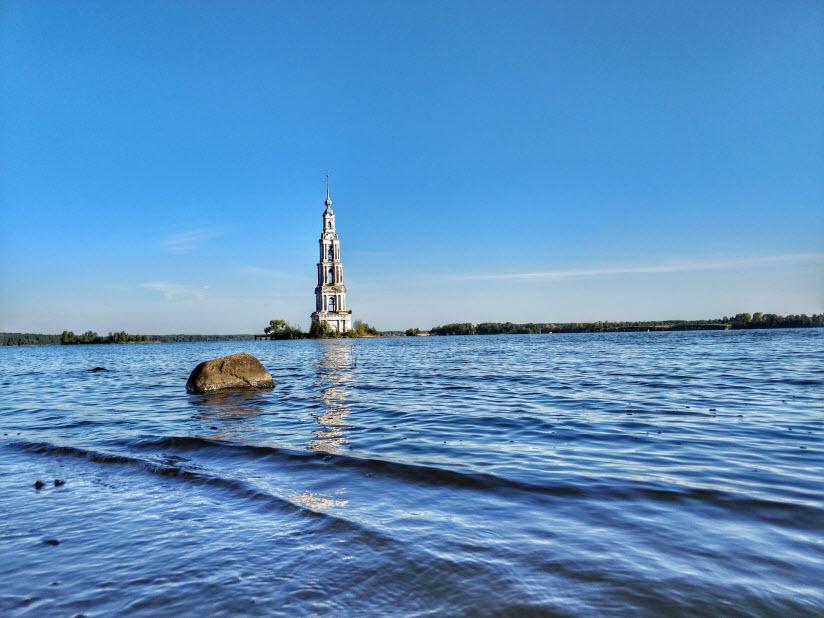 Рыбинское море