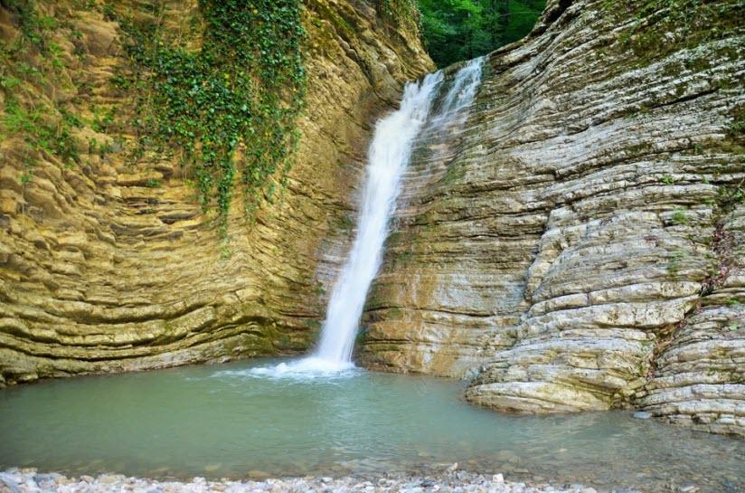 Небугские водопады