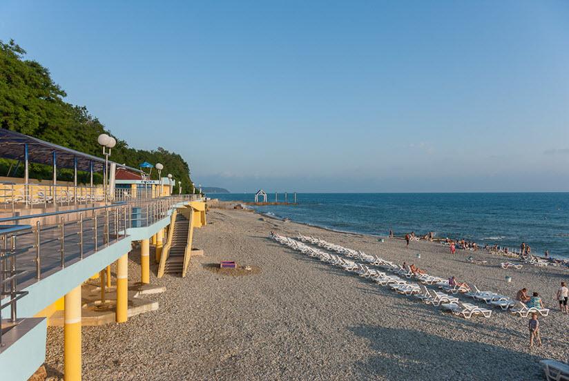 Пляж курортного комплекса «Молния-Ямал»
