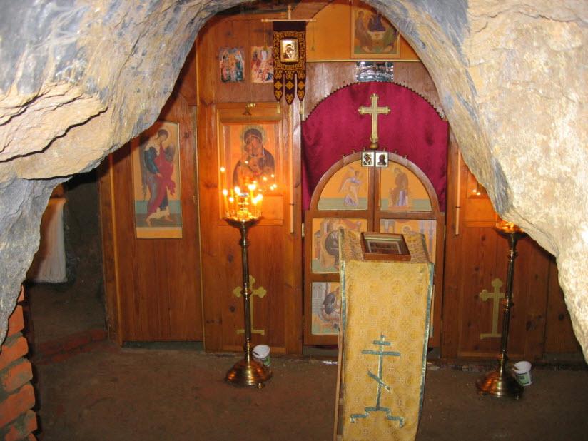 Сазанский пещерный монастырь